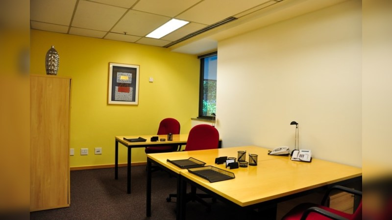 Mourisco - Regus - Coworking - Lease