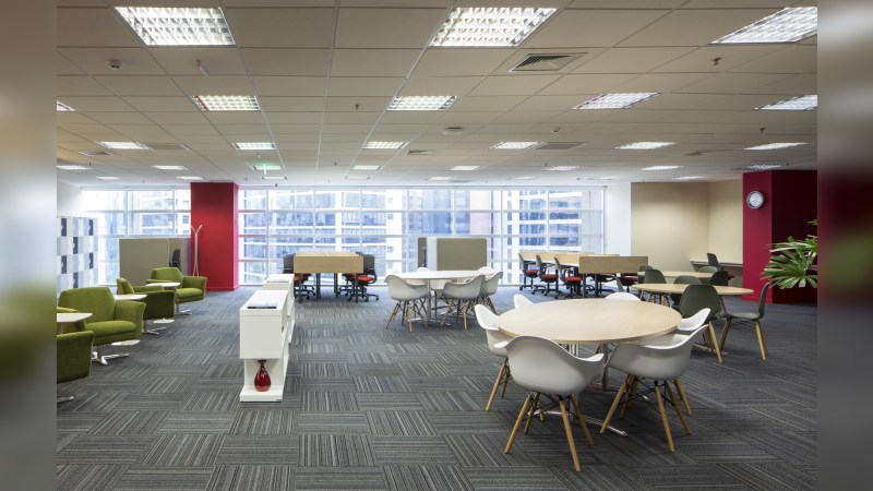 Continental Square - Regus - Coworking - Lease