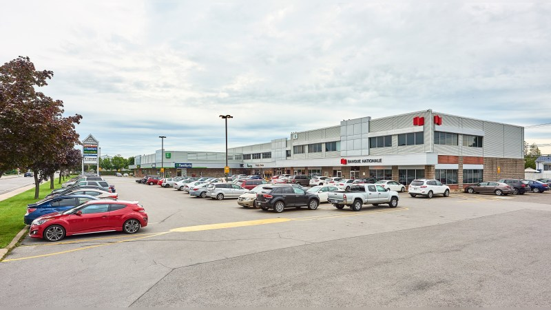 For Sale: Marché Repentigny - Retail - Sale