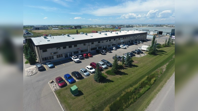 For Lease - 285145 Wrangler Way SE - Industrial - Lease