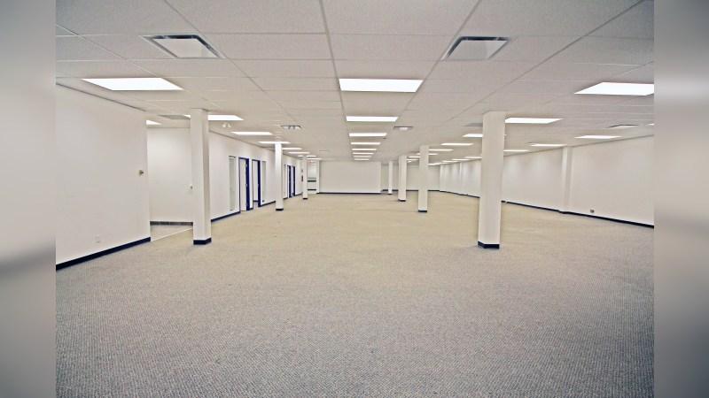 7110 44 Street SE - Office - Lease
