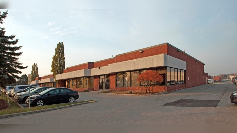 135 East Beaver Creek, Unit 6 - Industrial - Sublease