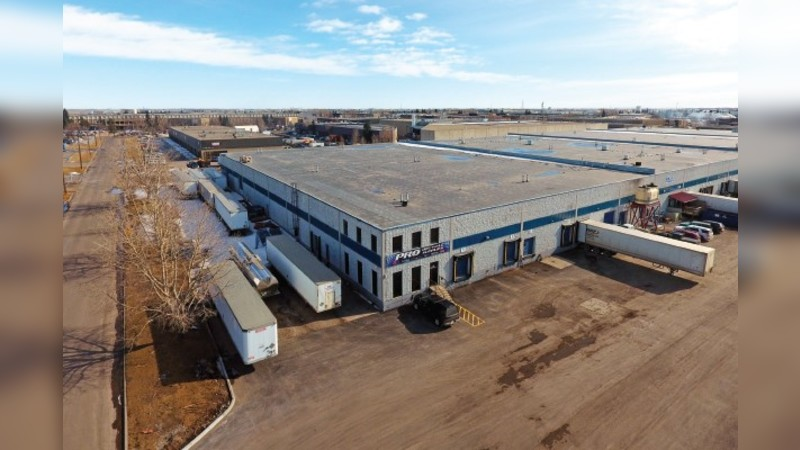7102 - 7104 Barlow Trail SE - Industrial - Lease