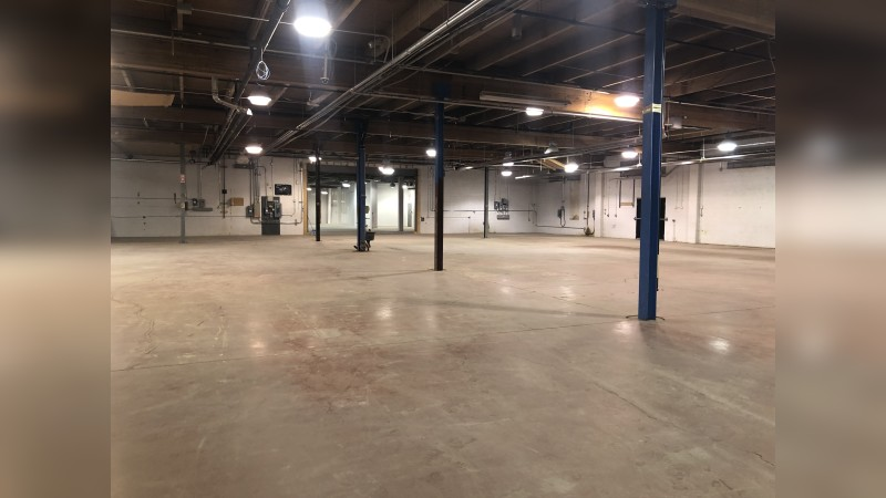 121A Avenue Manufacturing Facility - Industrial - SaleLease