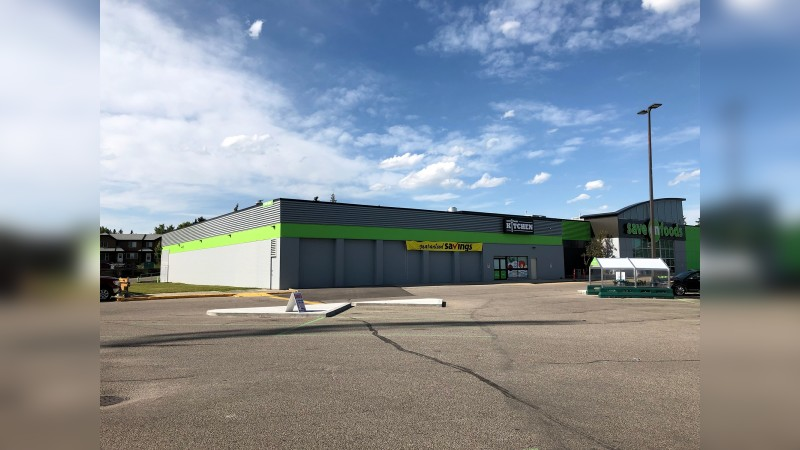 Hunterhorn Plaza: 40 Hunterhorn Dr. NE, Calgary (Grocery Anchored) - Retail - Sublease