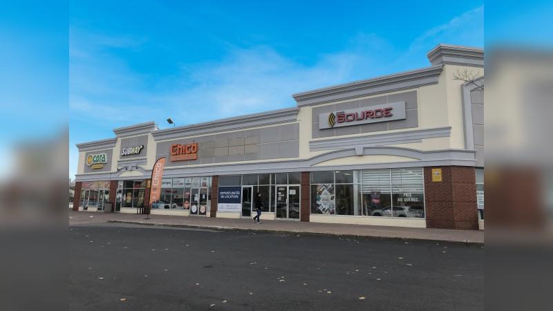 2235 Boulevard Roland-Therrien - Retail - Lease