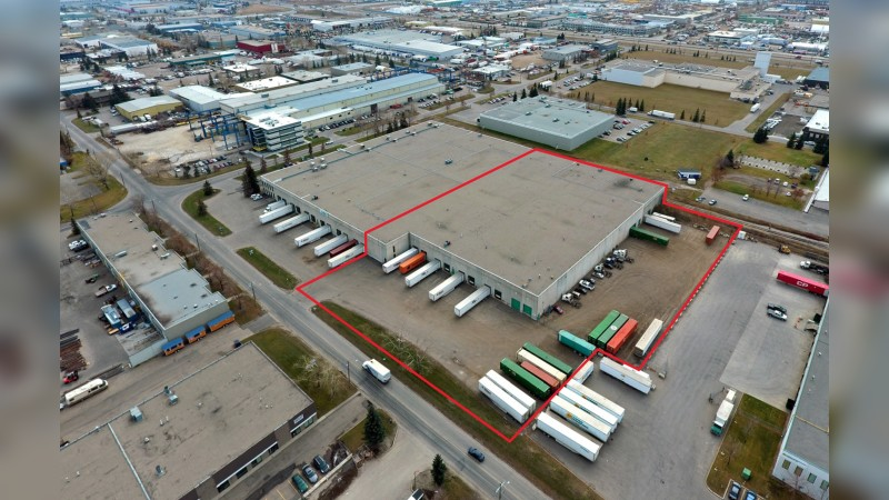 Warehouse & Office with Internal Rail Spur - Industrial - Lease