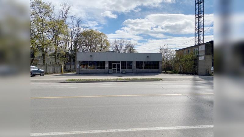 Freestanding Office Building - Alternatives - Lease