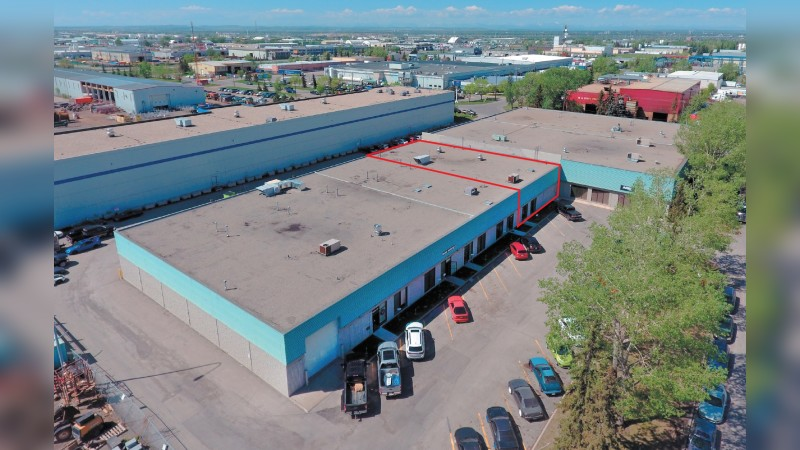 Warehouse/Office with Large Truck Marshalling Area - Industrial - Lease