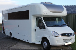 Iveco Daily Race Home 4.28M garage sleeps 6!