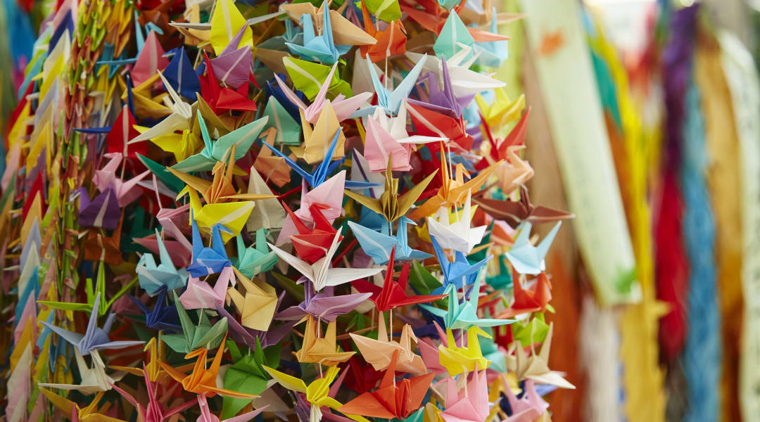 DIY :: Ombré Crane Garland | Diy and crafts sewing, Diy origami, Paper  crafts diy | 600x1080