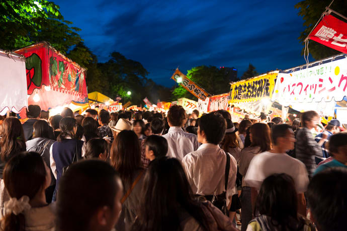 The festival stalls get jam-packed as evening falls