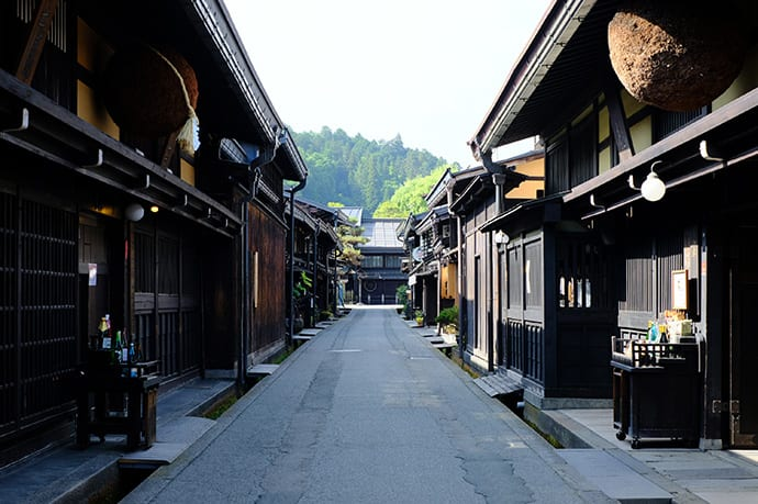 Hida-Takayama flourished as a merchant town in the Edo period (1603-1867) and elements of the original townscape remain.