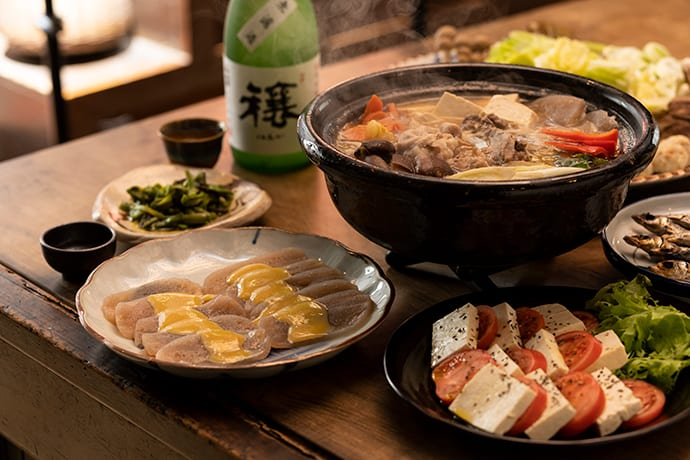 The hot pot is easily made by cutting up preferred ingredients and simmering in miso and dashi soup stock.