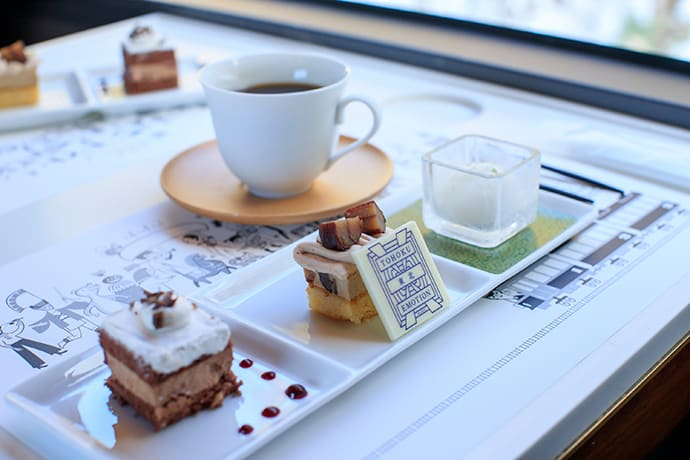 Desserts served on the Kuji to Hachinohe route. The pictured desserts are designed by pastry chef Takashi Kumagai from Hotel Metropolitan Morioka in Iwate.