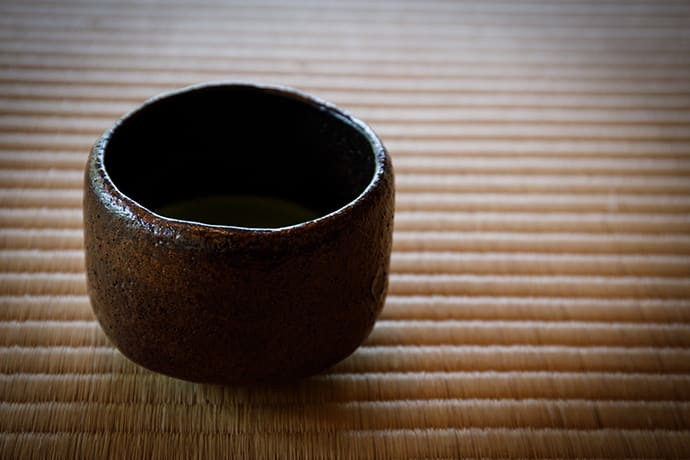 Making a raku chawan is a special experience unique to Kyoto, the home of Japanese tea culture.