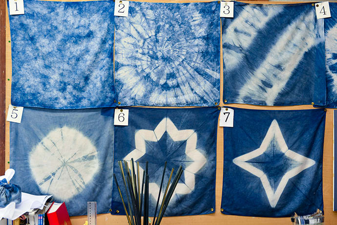 Visitors can choose one of seven dyeing patterns