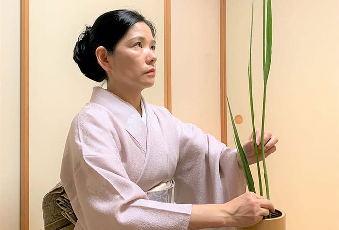 Makiko is an expert in traditional culture, including tea ceremony and Japanese cuisine