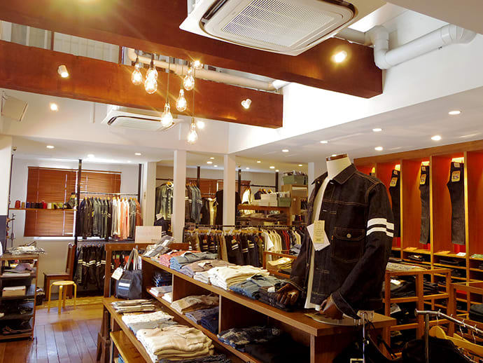 Other denim-related items available at the Momotaro Jeans Kojima Ajino Main store include jackets, bags and accessories