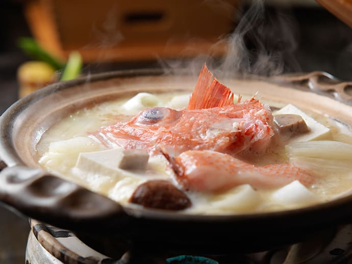 The original hot pot made with succulent kinki is seasoned with white miso paste.