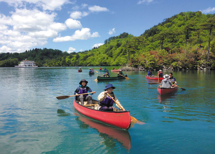Lake Towada Canoe Tour