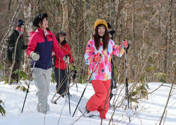 Shinhotaka Half-day Snowshoeing Tour