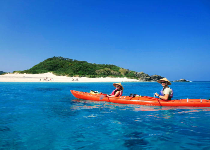 Full-Day Sea Kayaking and Snorkeling Tour