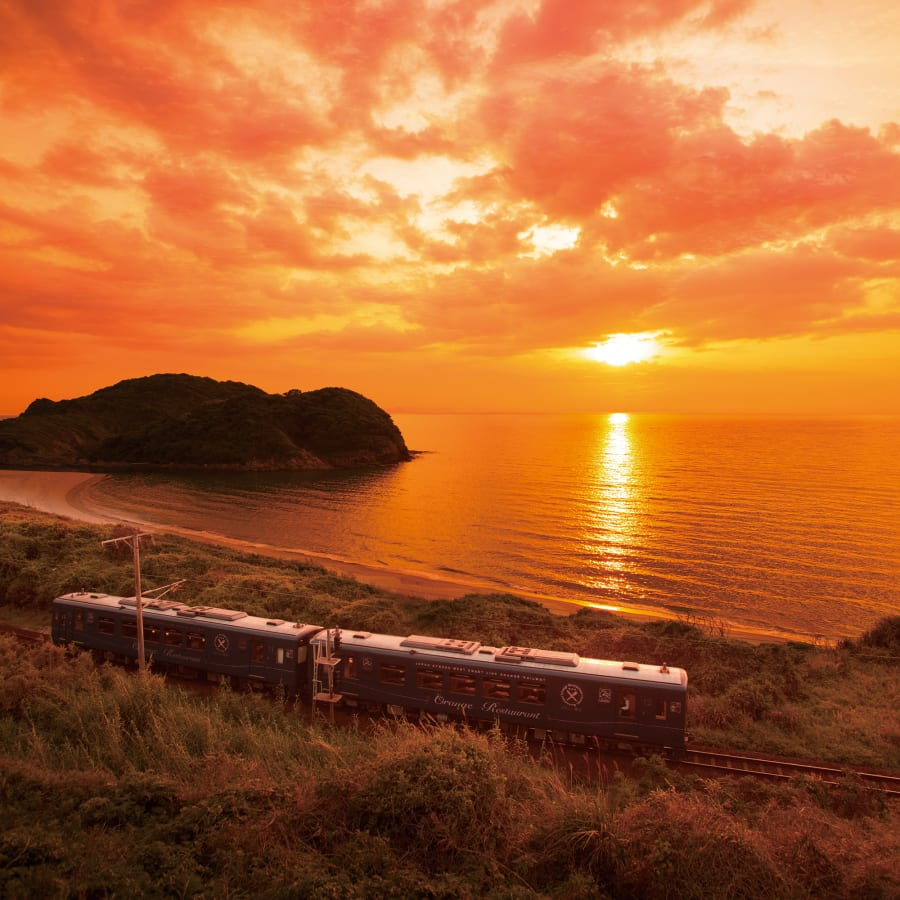Experience Japan's Picturesque Scenery and Delicious Food on Distinctive Local Trains