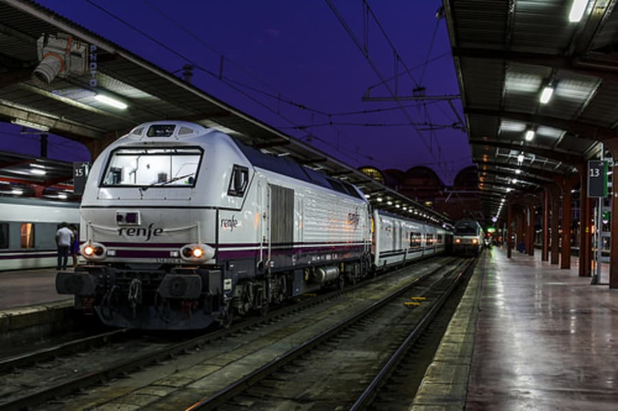 RENFE 334 y 252 en Madrid Chamartín