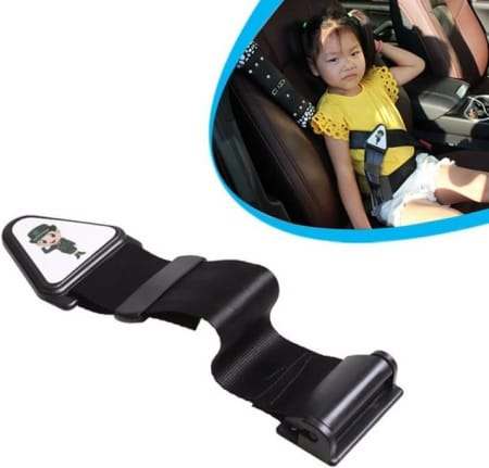Detail of children seat belt adjuster and above the detail, there is a photo of how it looks when applied in car seat where a little kid is sitting comfortable with this seat belt