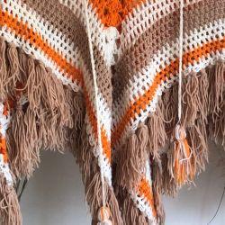 Jolly Little Crochet Poncho age 4-8