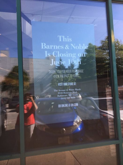 towson barnes and noble store closing sign