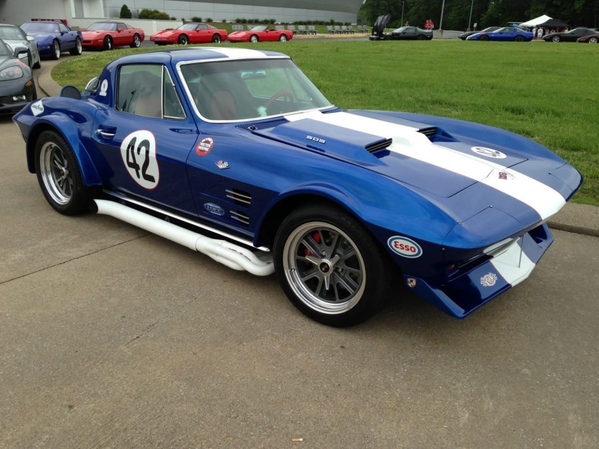 National Corvette Museum Hosts the C4 Gathering