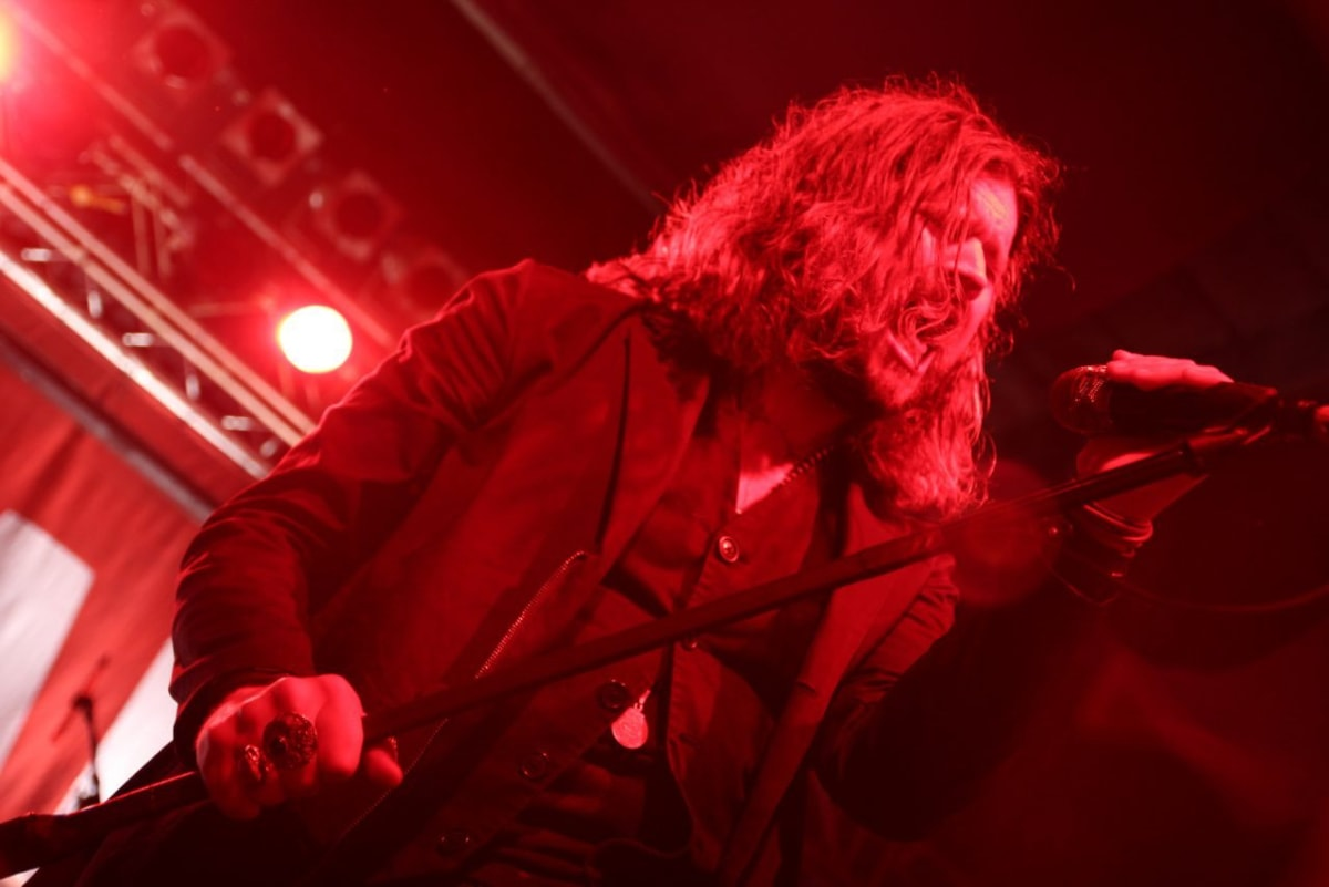 Jay Buchanan of the Rival Sons sings on stage