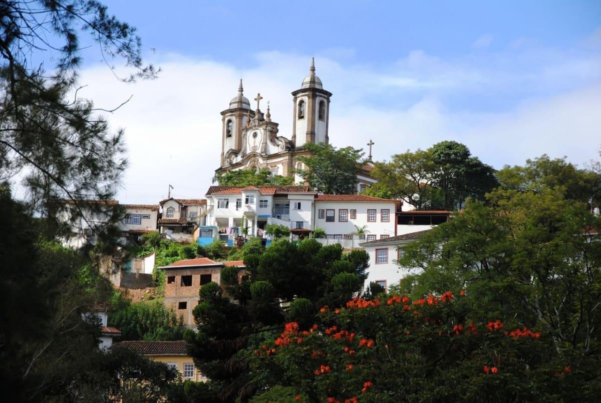 Ouro Preto Brazil Churches - source: Leandro Neumann Ciuffo, https://flic.kr/p/bSHhev