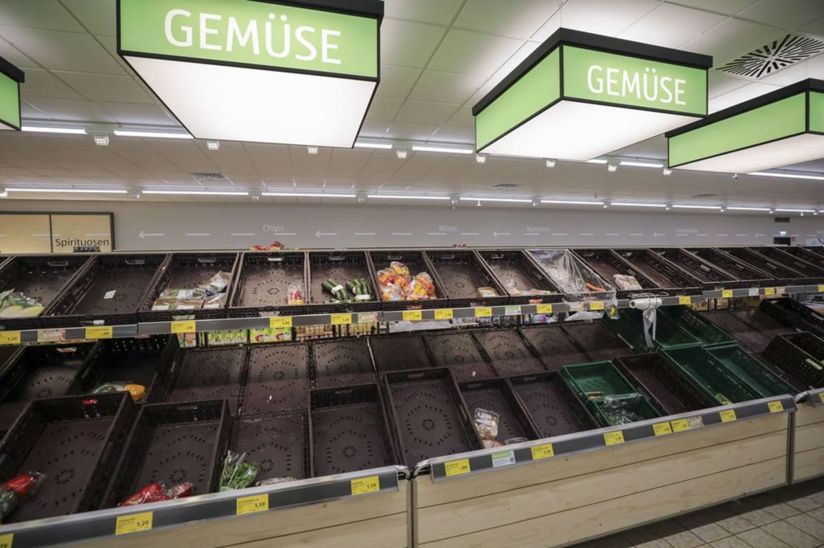 Vegitables shelves in a grocery store are empty during COVID-19