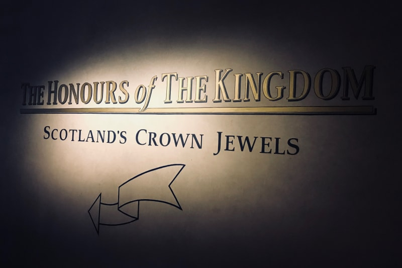 A photo of the sign leading to The Honours of The Kingdom Exhibit at Edinburgh Castle