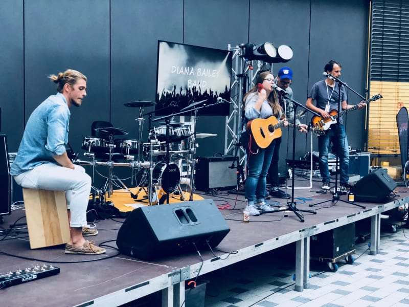 Diana Bailey Band performs at the trivagoVibe in Düsseldorf
