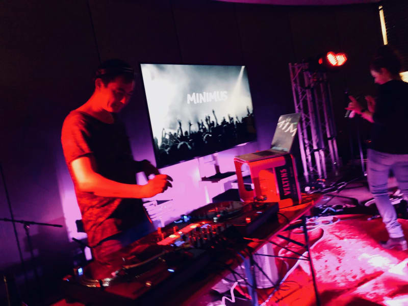 Hakan, AKA Minimus produced the trivagoVibe and closed out the night with an incredible DJ set.