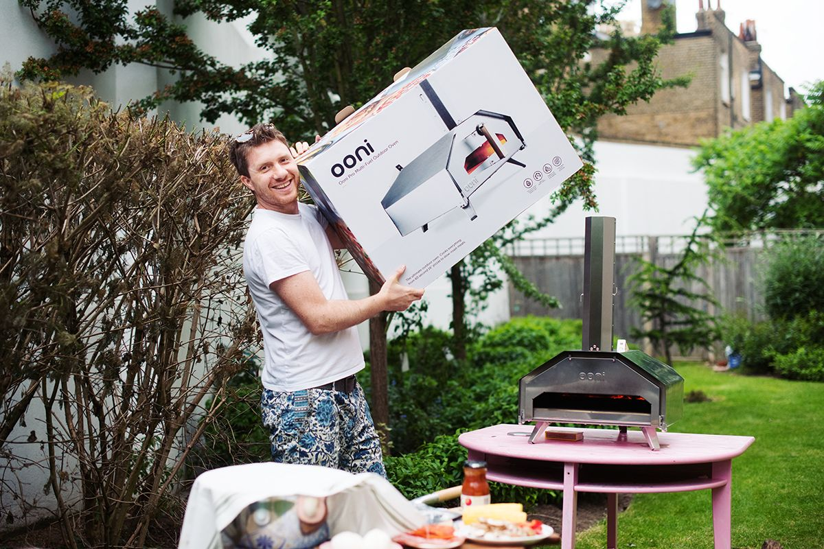 ooni-pro-pizza-oven-pic-oven-and-box