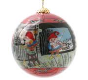 Julekule nisser på låven