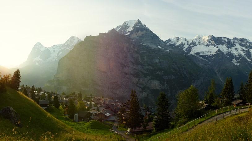 Muerren Sommer Eiger Moench Jungfrau Morgen