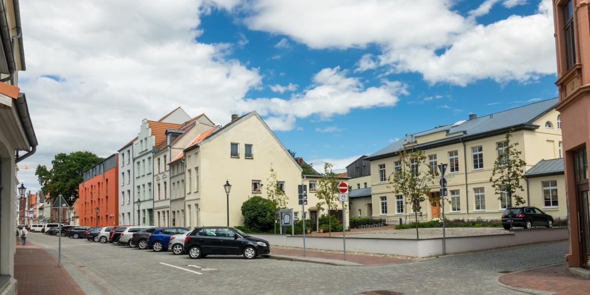 Evangelisches Kinderhaus in der Kochschen Stiftung Kindergärten und -heime - Bild 1
