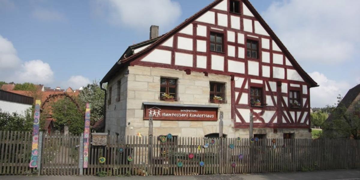 Integratives Montessori Kinderhaus Lauf-Simonshofen - Bild 1