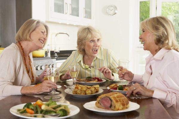 Резкое повышение аппетита может быть признаком диабета II типа - медики назвали еще несколько симптомов