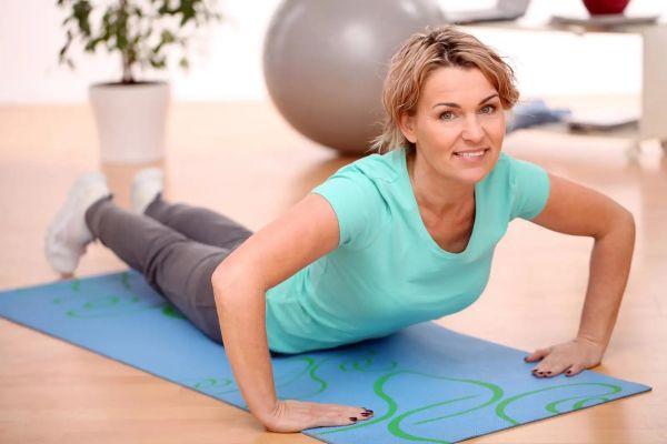 Домашняя тренировка на 12 минут – простые упражнения, которые помогут вернуть здоровье