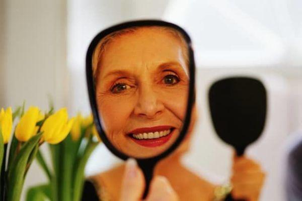 Лучший макияж для женщин старше 50 лет