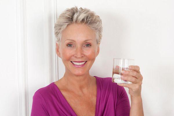 Если пить воду правильно, лишний вес будет уходить сам - ученые из Японии