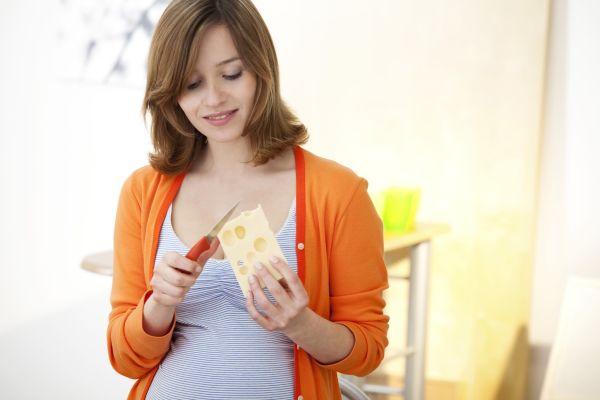 Сыр улучшает работу мозга и помогает справиться со стрессом