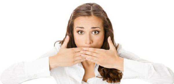 Неприятный запах изо рта: как узнать и избавиться